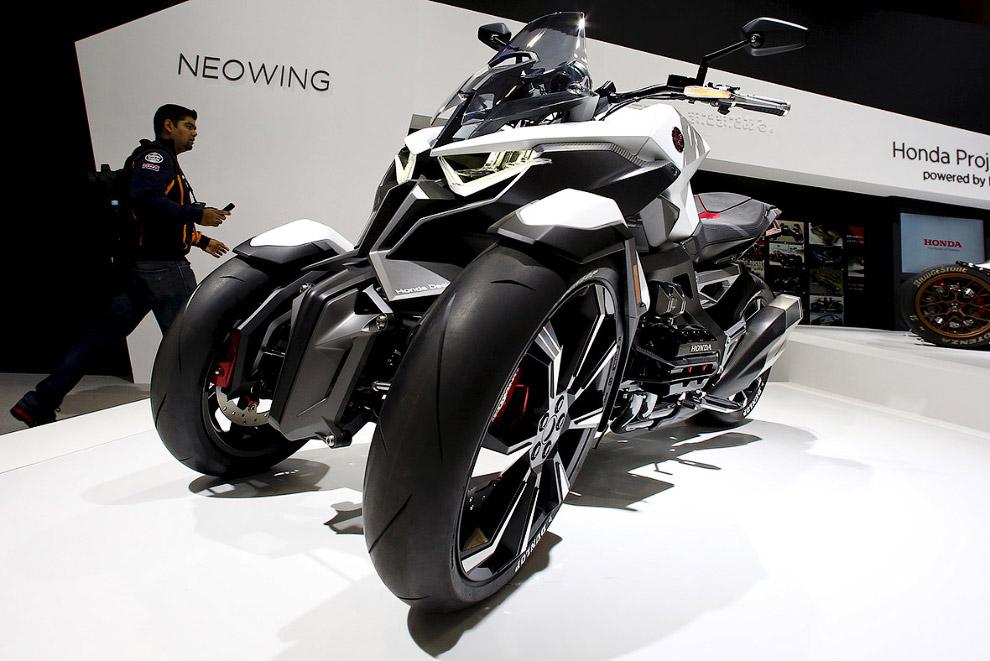 Tokyo motor show futuristic cars 2015_25