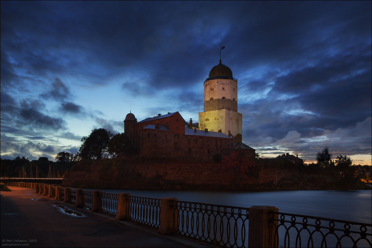 Vyborg - the castle, bad weather, sunsets and flights 006