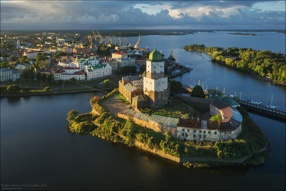 Vyborg - the castle, bad weather, sunsets and flights 009