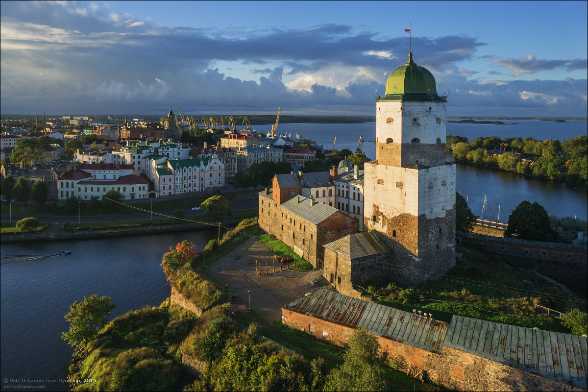 Vyborg - the castle, bad weather, sunsets and flights 010