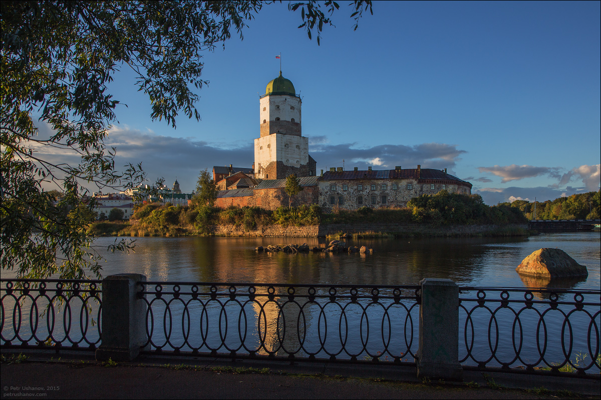 Vyborg - the castle, bad weather, sunsets and flights 013