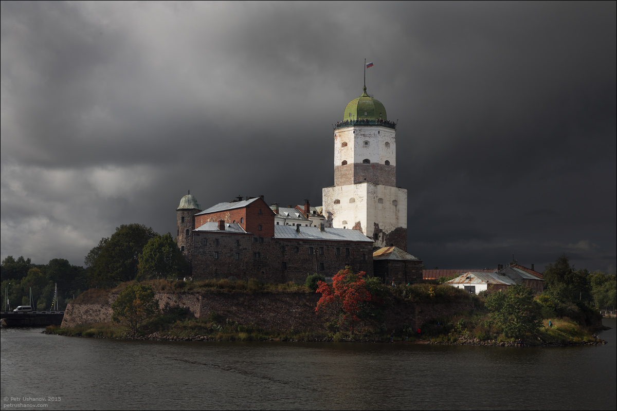 Vyborg - the castle, bad weather, sunsets and flights 014