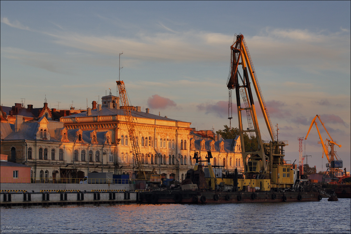 Vyborg - the castle, bad weather, sunsets and flights 015