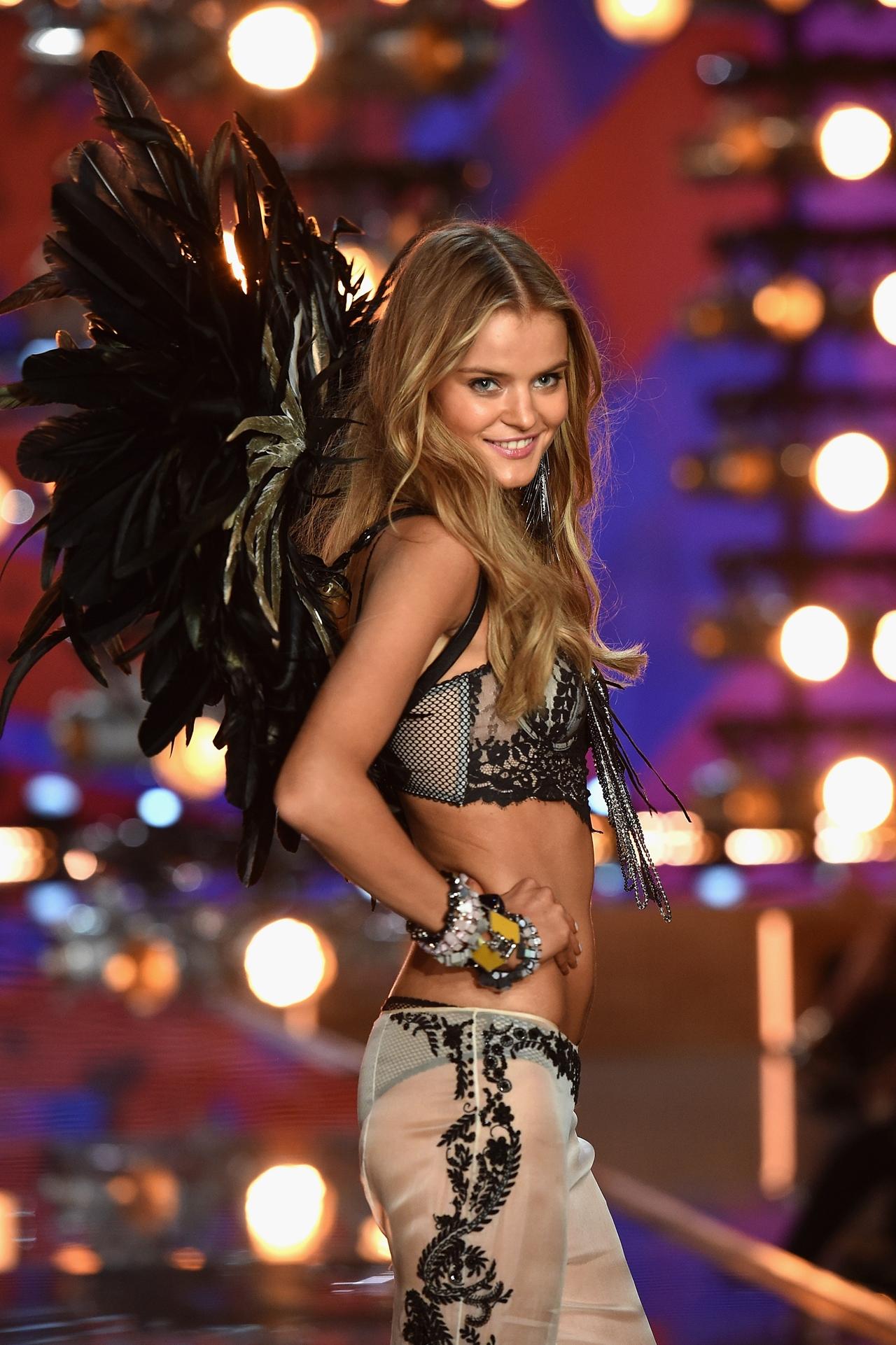 victorias-secret-fashion-show-2015-reuters-19