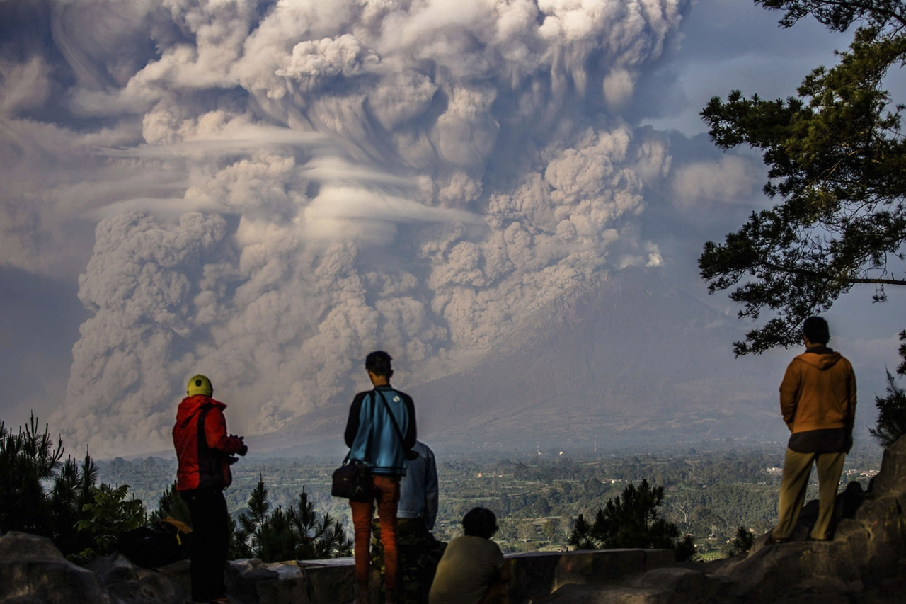 2015 The Year in Volcanic Activity 10