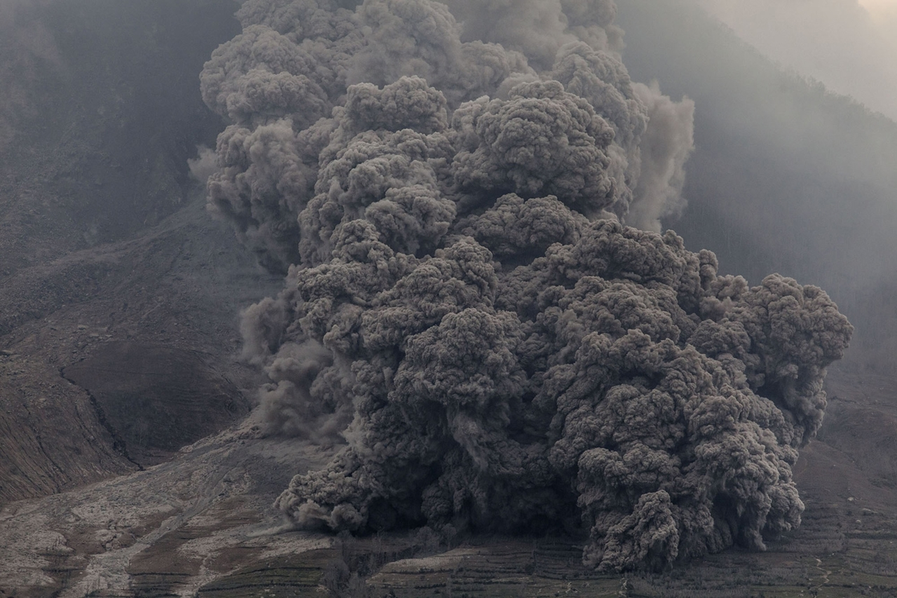 2015 The Year in Volcanic Activity 12