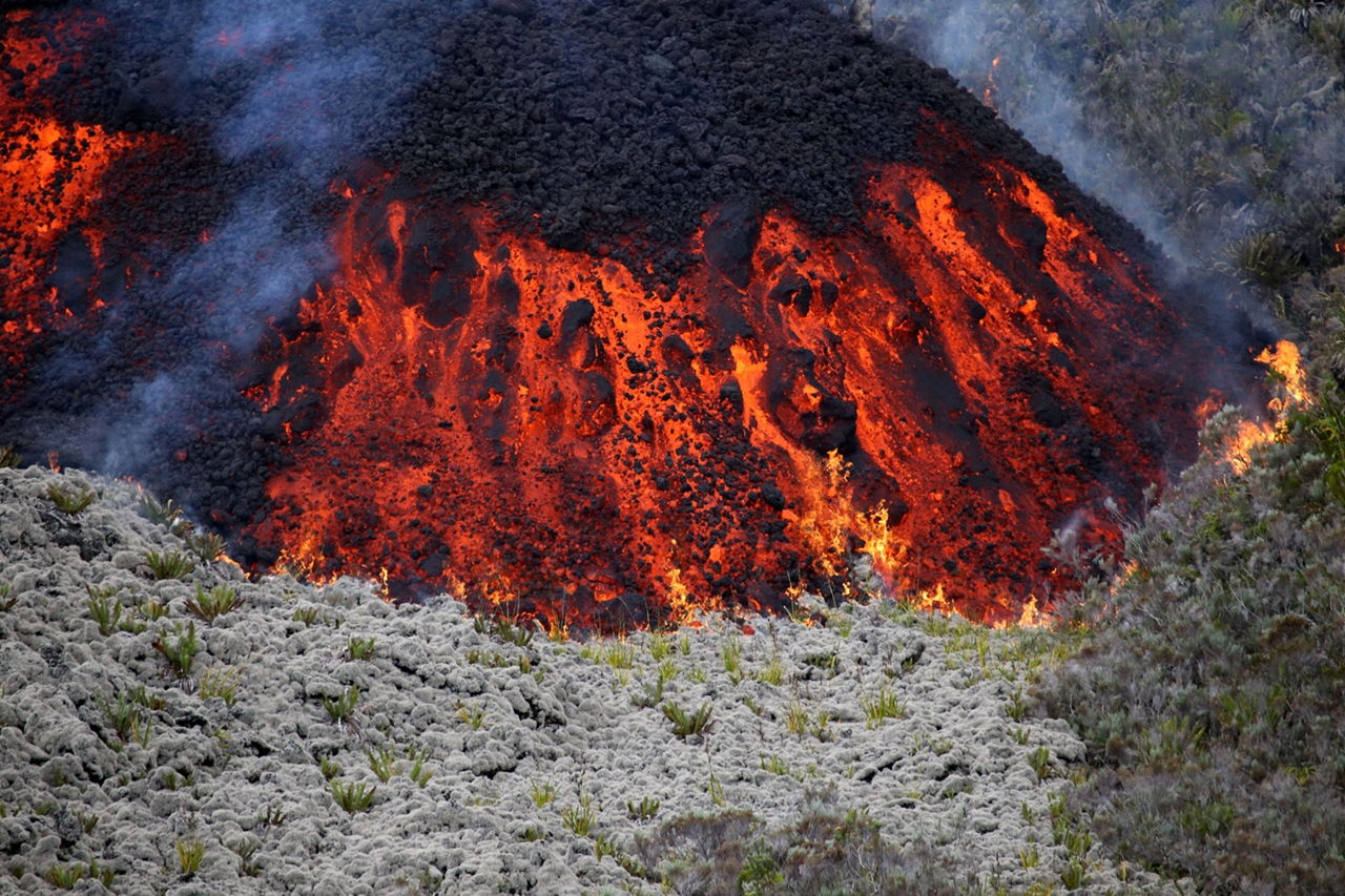 2015 The Year in Volcanic Activity 17