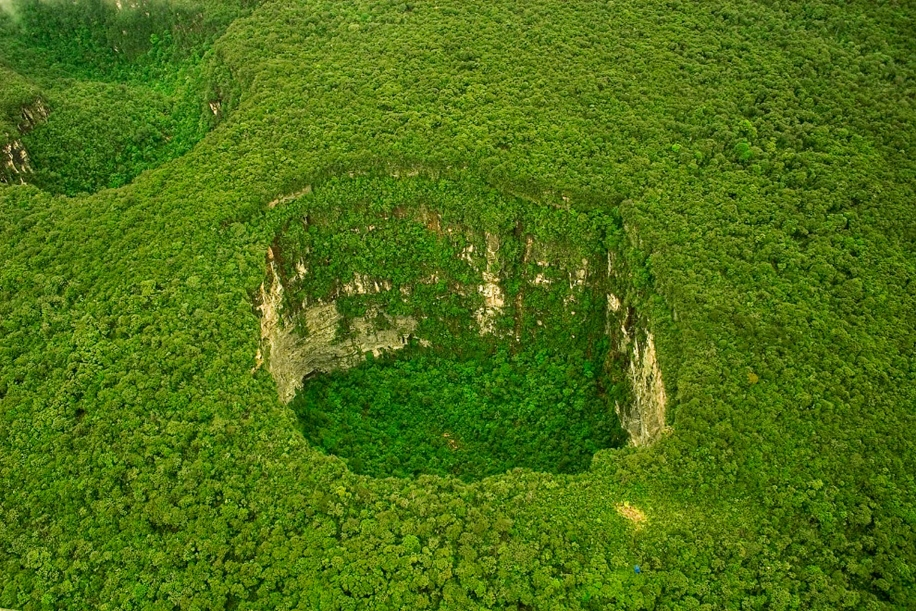 6 impressive sinkholes of the world 09