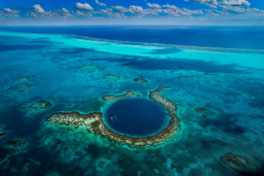 6 impressive sinkholes of the world 14