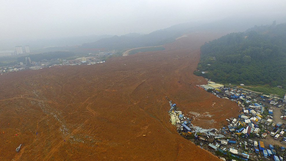 A Massive Landslide of Mud Shenzhen, China 18