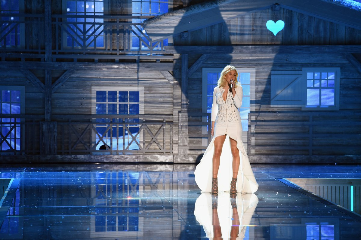 All the outfits from the fashion show Victoria's Secret Fashion Show 2015_05