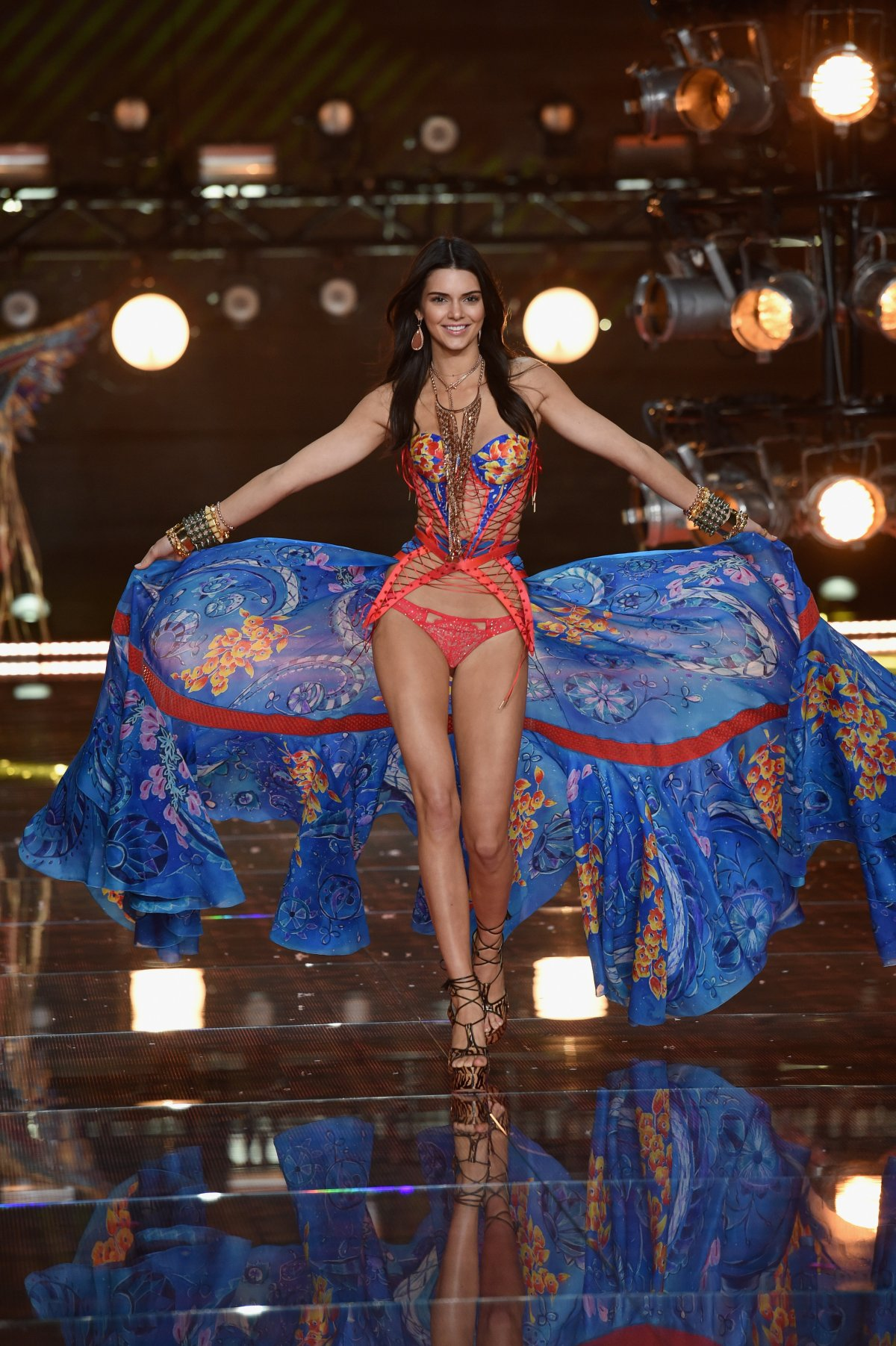 All the outfits from the fashion show Victoria's Secret Fashion Show 2015_11