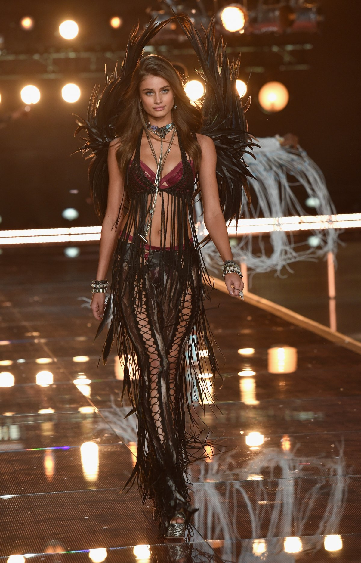 All the outfits from the fashion show Victoria's Secret Fashion Show 2015_16