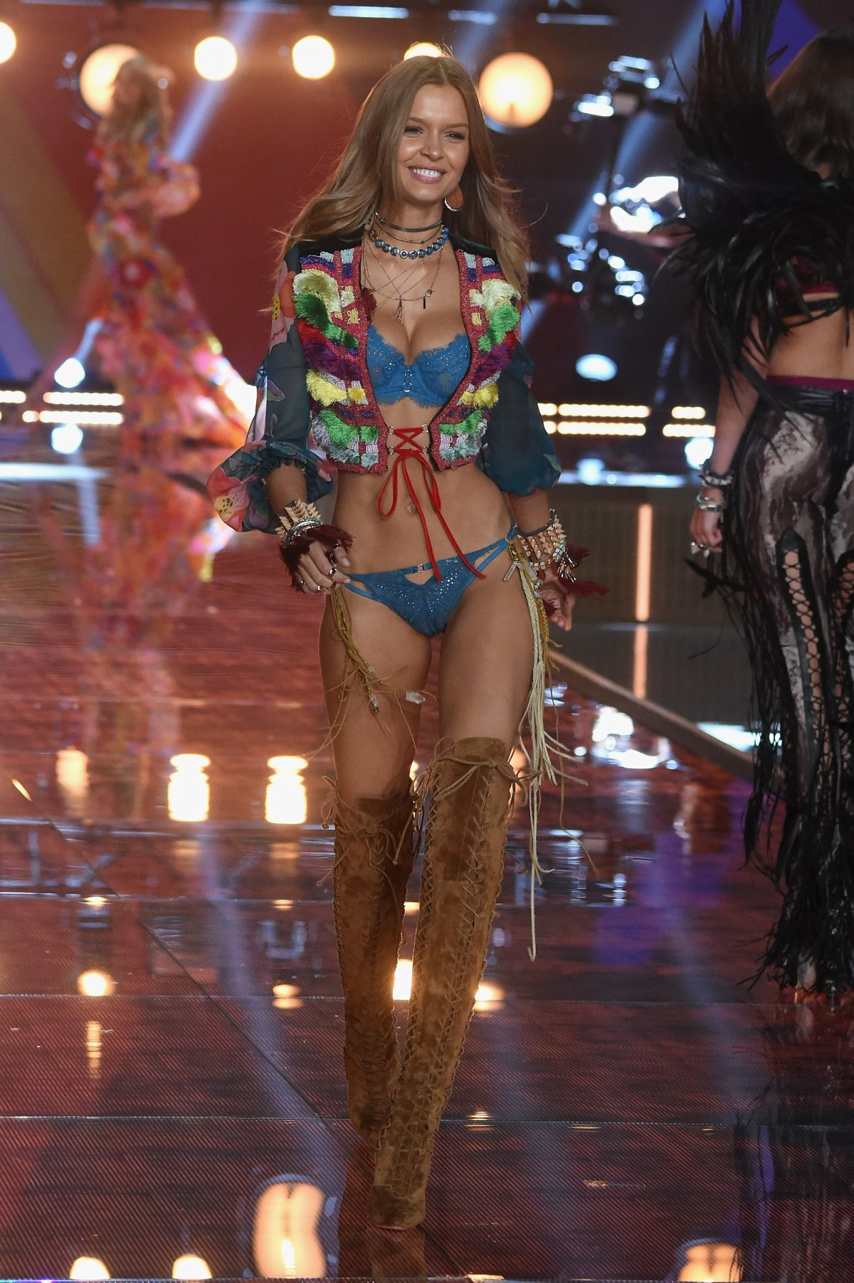 All the outfits from the fashion show Victoria's Secret Fashion Show 2015_17