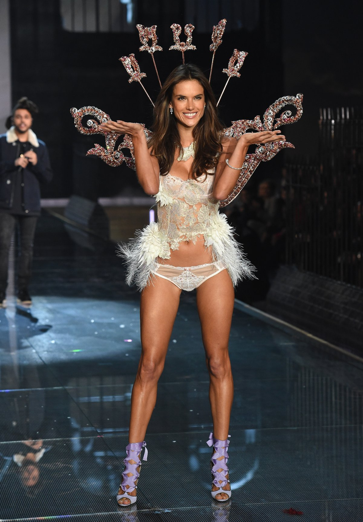 All the outfits from the fashion show Victoria's Secret Fashion Show 2015_21