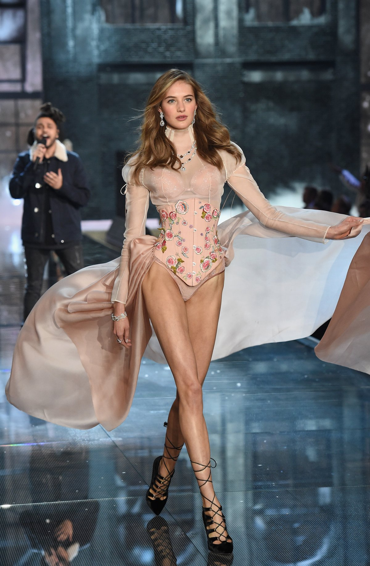 All the outfits from the fashion show Victoria's Secret Fashion Show 2015_24