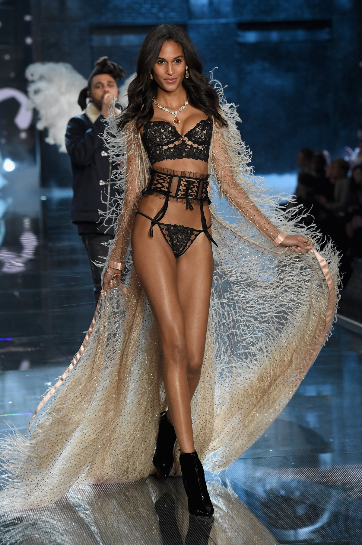All the outfits from the fashion show Victoria's Secret Fashion Show 2015_31