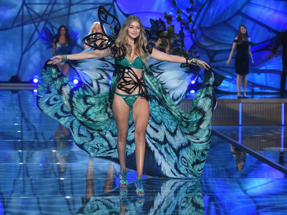 All the outfits from the fashion show Victoria's Secret Fashion Show 2015_36