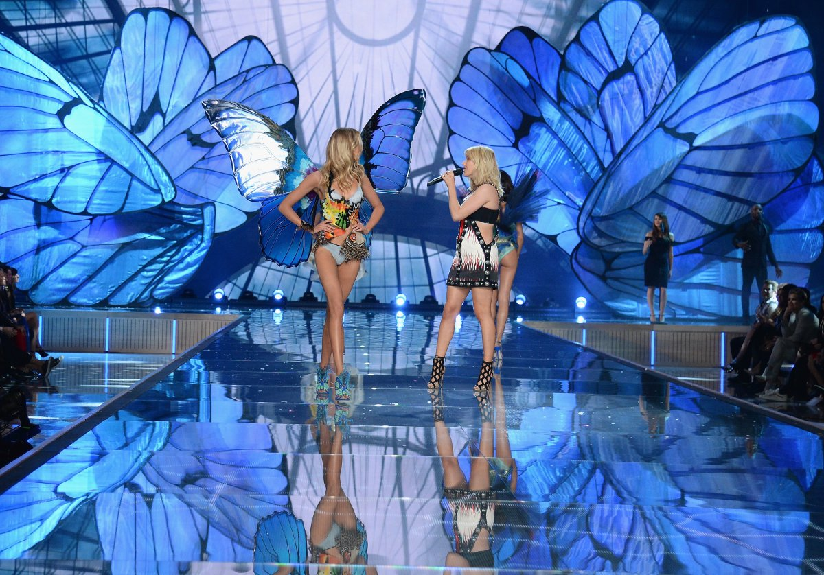 All the outfits from the fashion show Victoria's Secret Fashion Show 2015_38