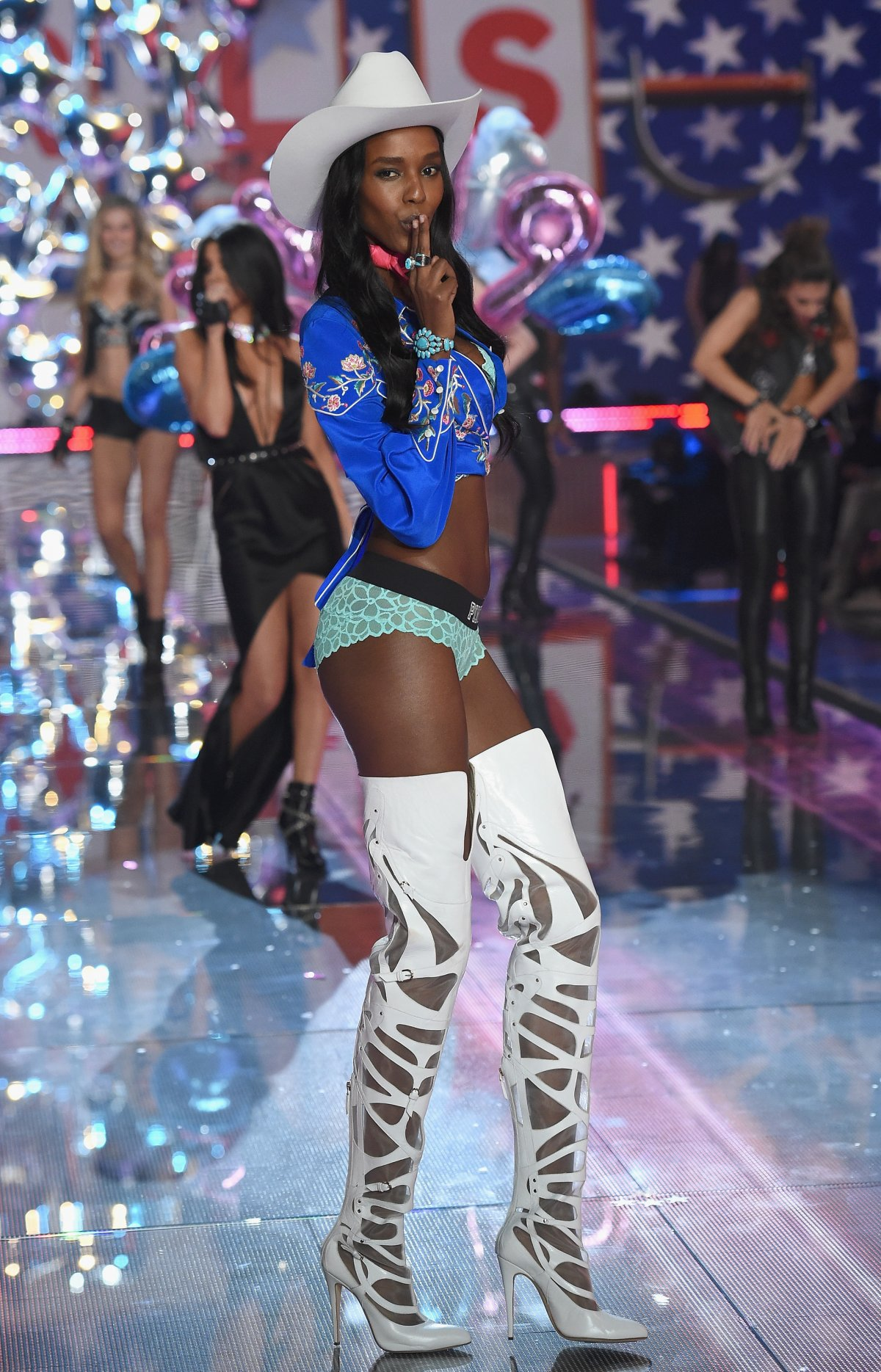 All the outfits from the fashion show Victoria's Secret Fashion Show 2015_53