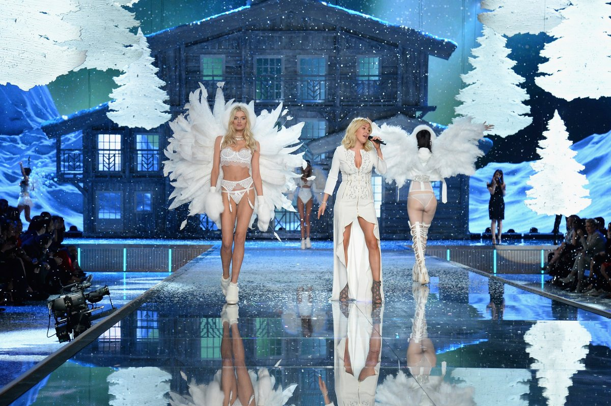 All the outfits from the fashion show Victoria's Secret Fashion Show 2015_66
