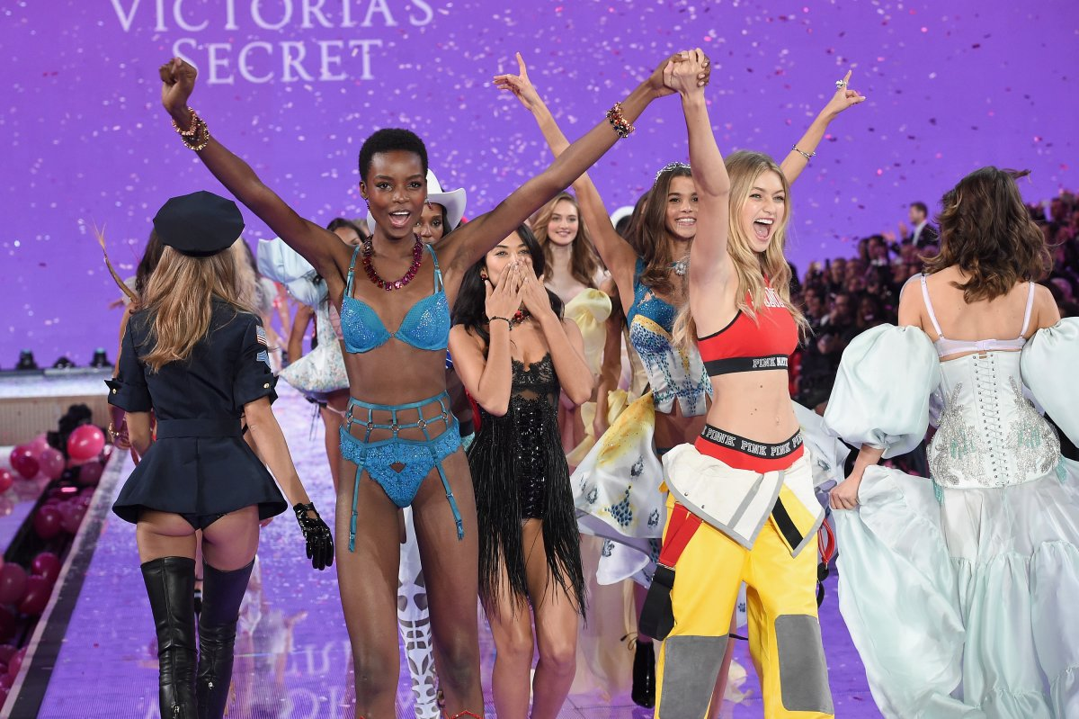 All the outfits from the fashion show Victoria's Secret Fashion Show 2015_81