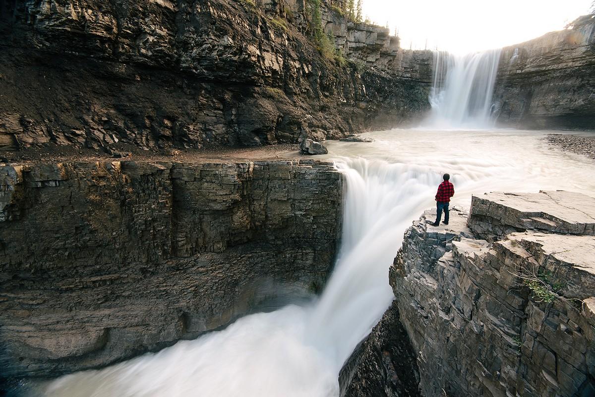 Amazing footage of a traveler and photographer Steven Tachivski 03