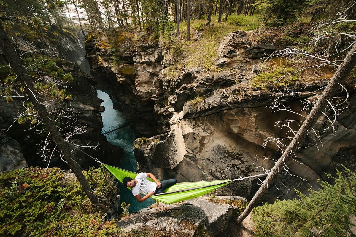 Amazing footage of a traveler and photographer Steven Tachivski 24