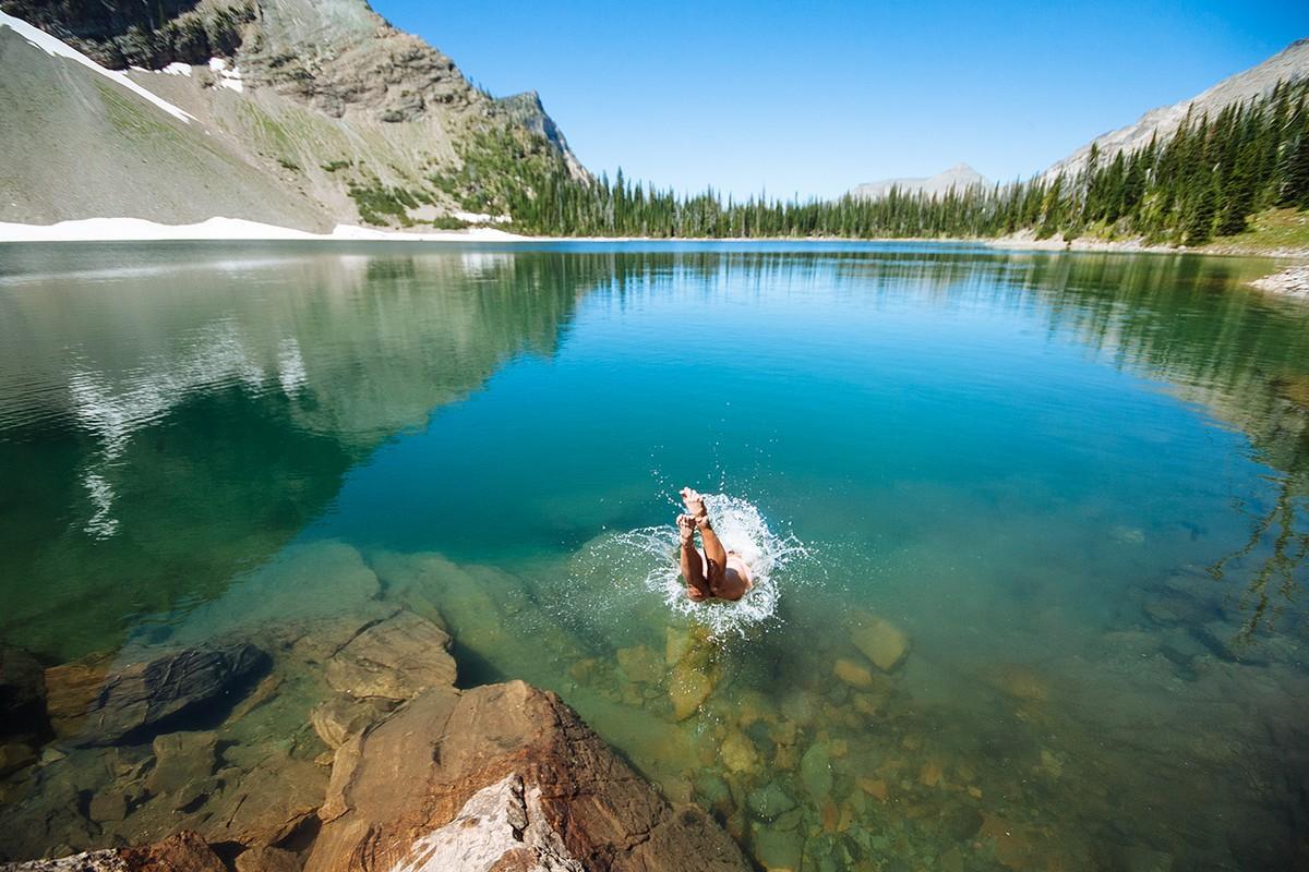 Amazing footage of a traveler and photographer Steven Tachivski 25