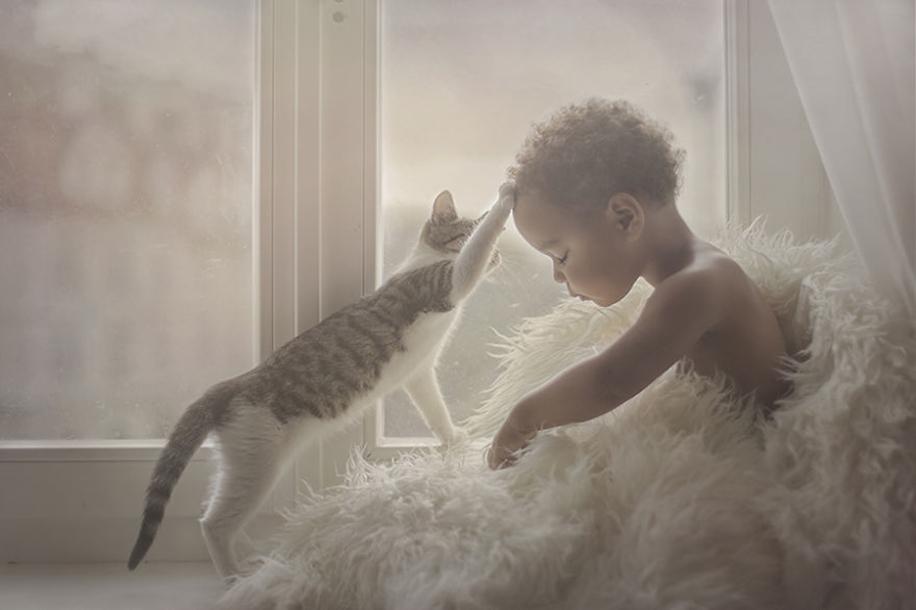 Удивительные кадры детей и животных из разных уголков мира
