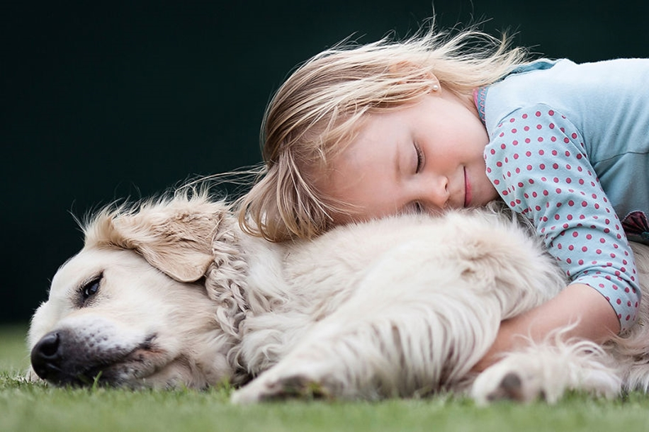 Amazing shots of children and animals from different parts of the world 11