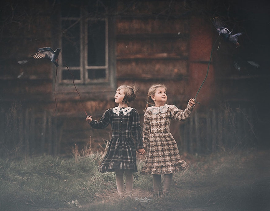 Amazing shots of children and animals from different parts of the world 17