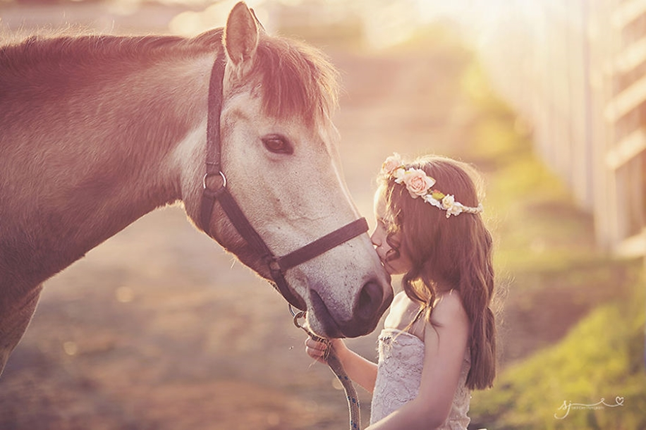 Amazing shots of children and animals from different parts of the world 18