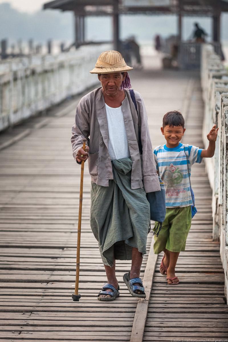 Burma. The famous U Bein bridge 05