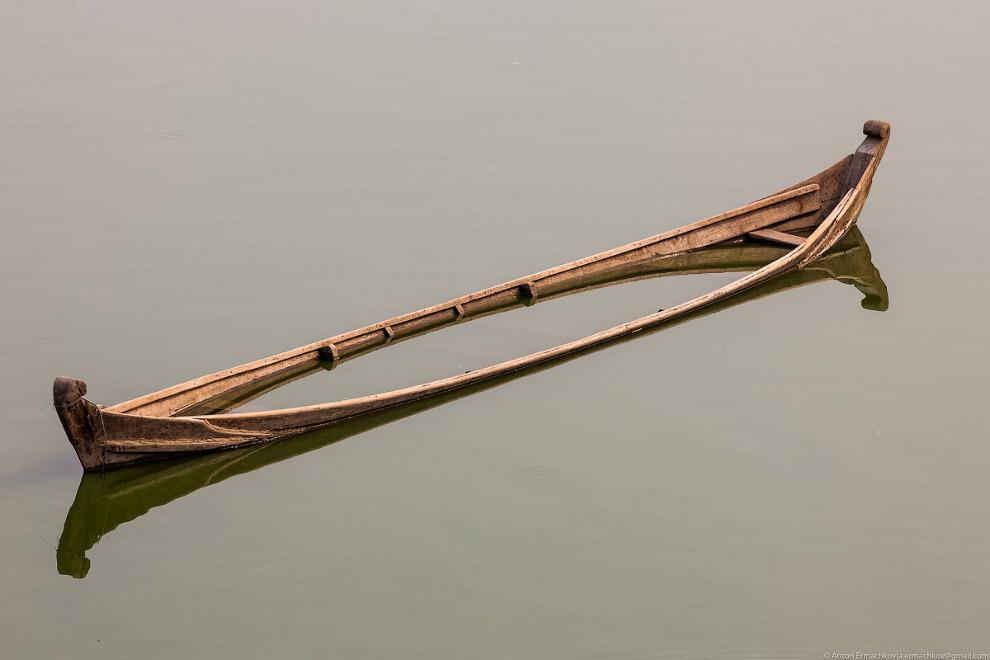 Burma. The famous U Bein bridge 15