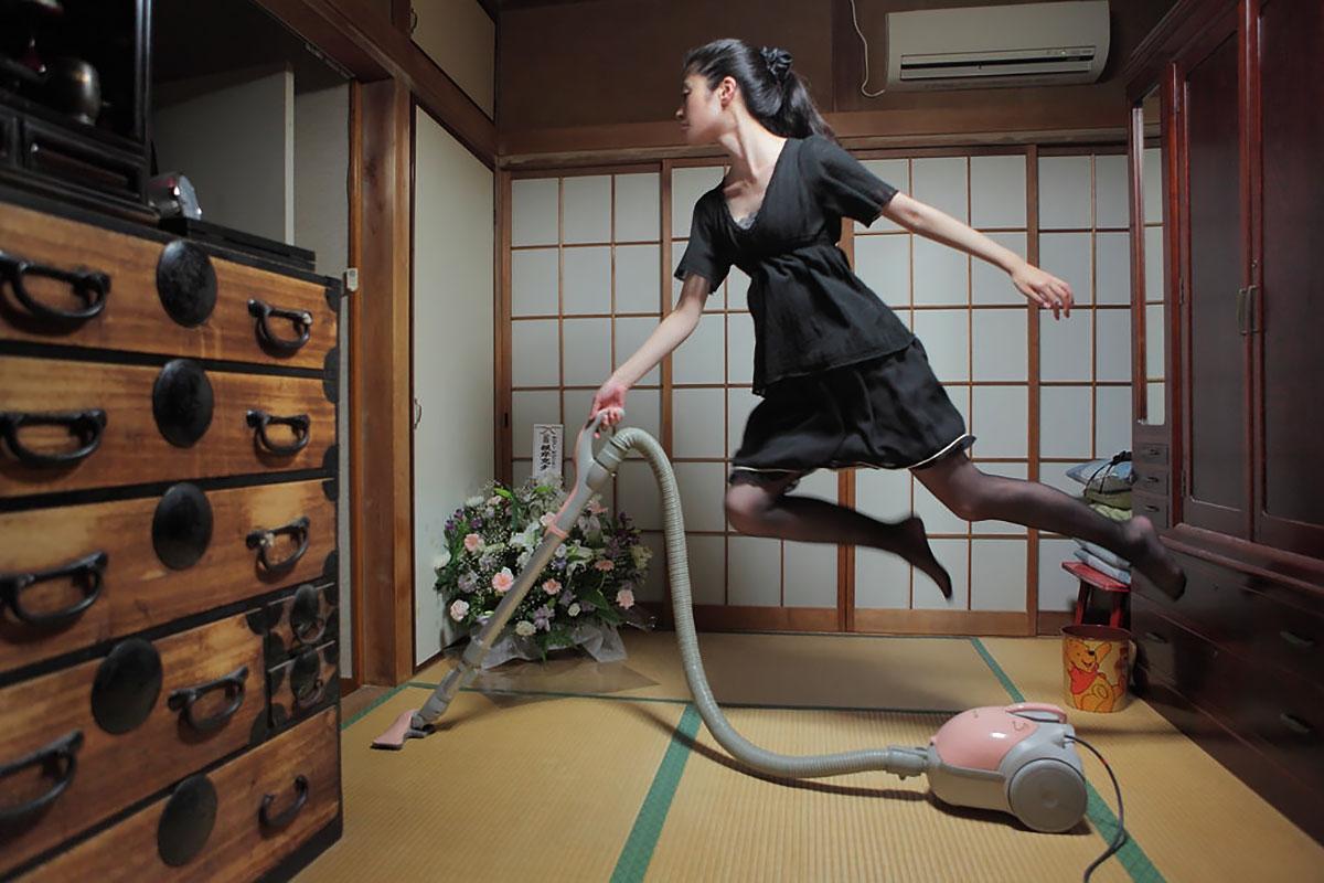 Левитирующие девушки Натсуми Хаяши