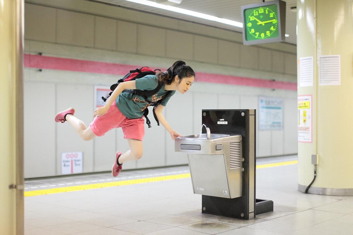 Levitating Girl' Natsumi Hayashi 03