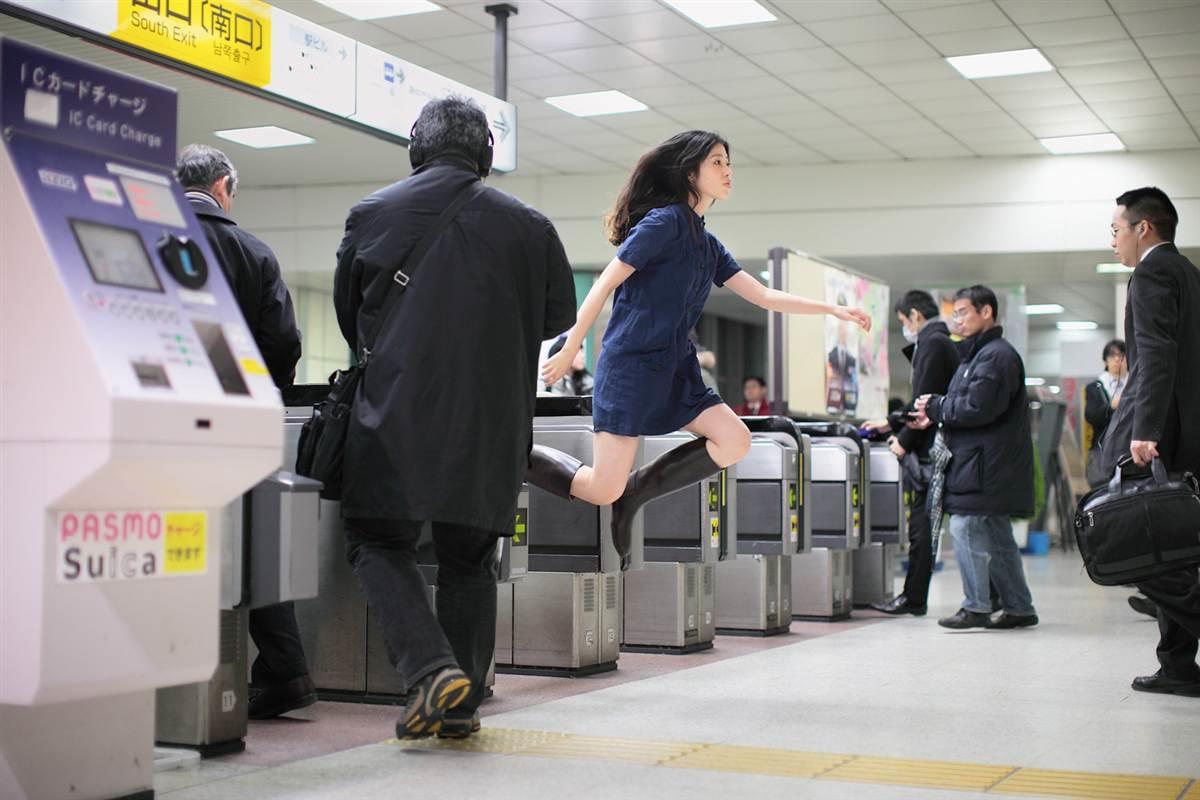 Levitating Girl' Natsumi Hayashi 10
