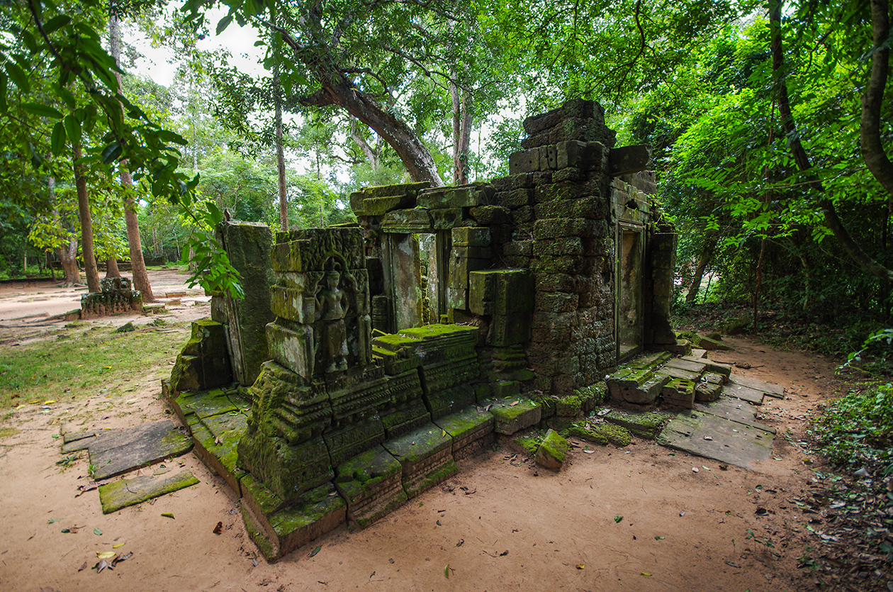 Little-known buildings of Angkor 05