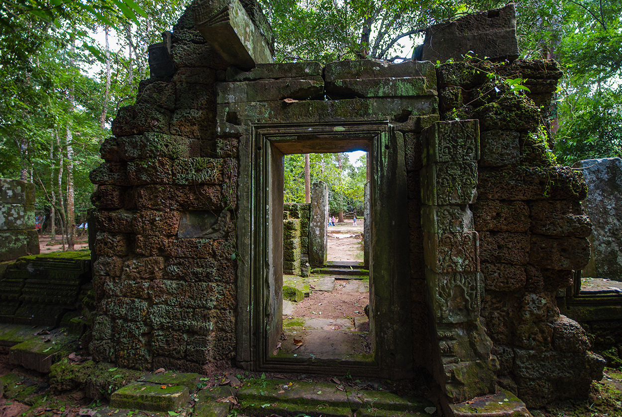 Little-known buildings of Angkor 06