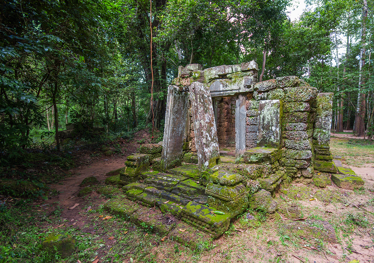 Little-known buildings of Angkor 08