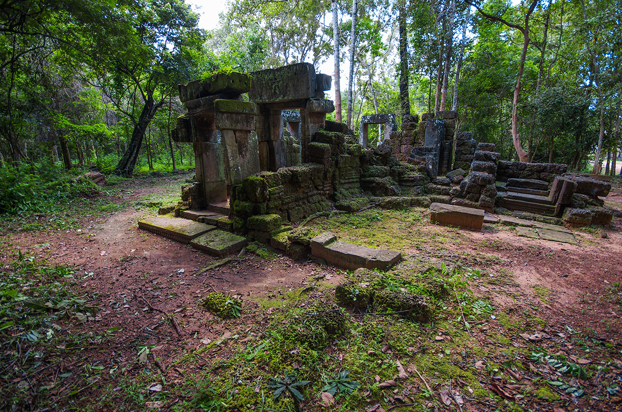 Little-known buildings of Angkor 10