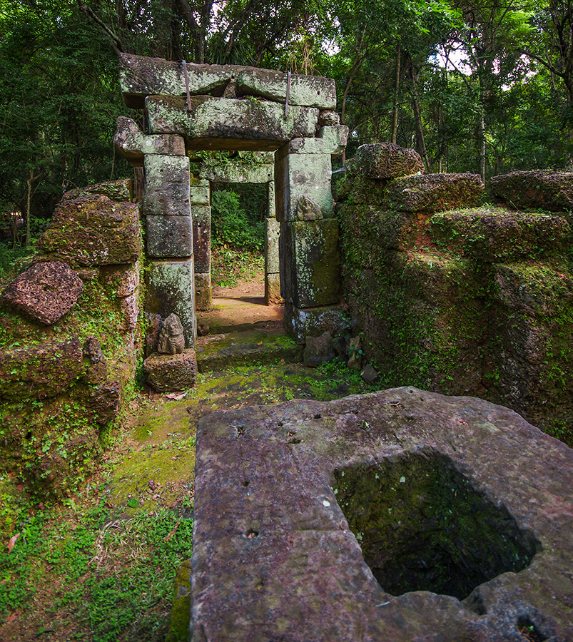 Little-known buildings of Angkor 13