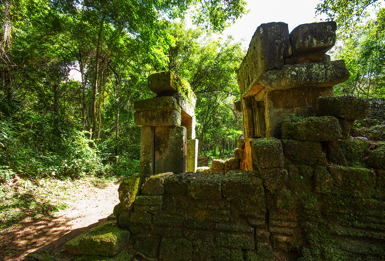 Little-known buildings of Angkor 16