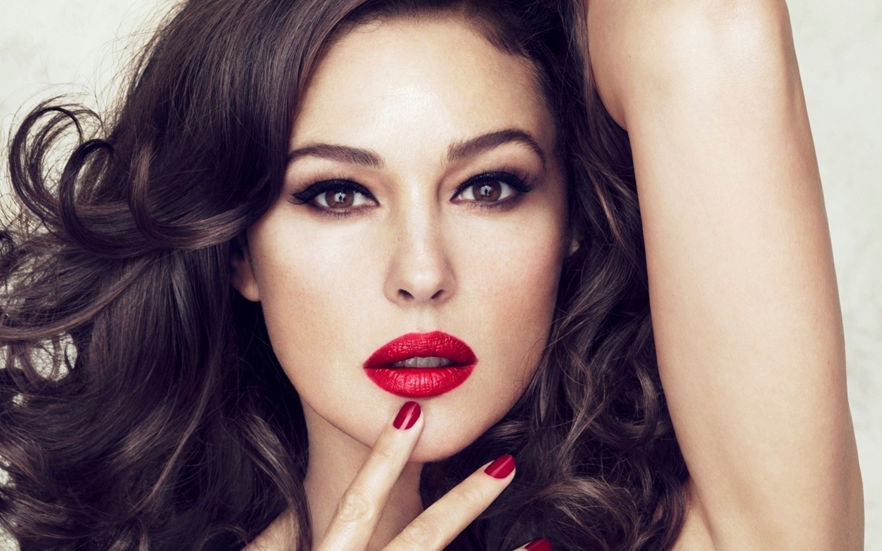 Monica Bellucci about life, about women and cinema 01