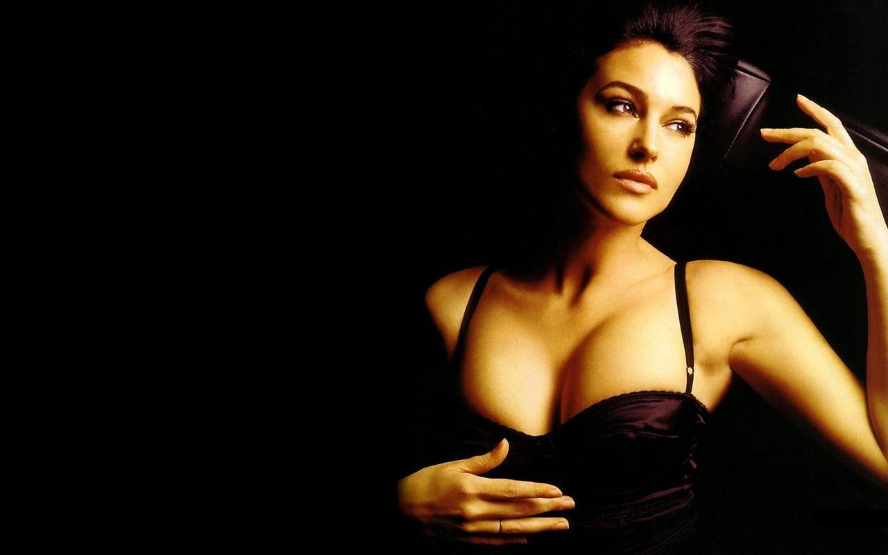 Monica Bellucci about life, about women and cinema 09