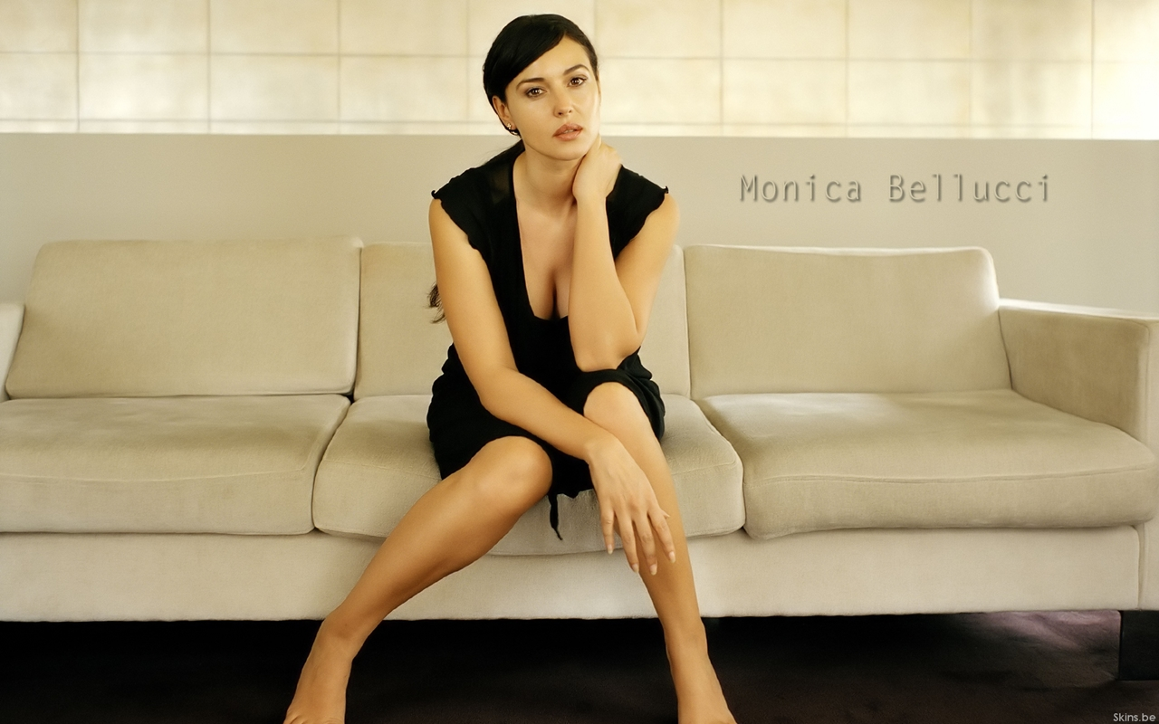 Monica Bellucci about life, about women and cinema 16