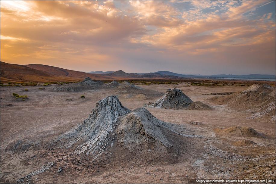 Mud volcanoes of Gobustan 05