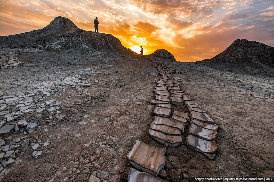Mud volcanoes of Gobustan 09