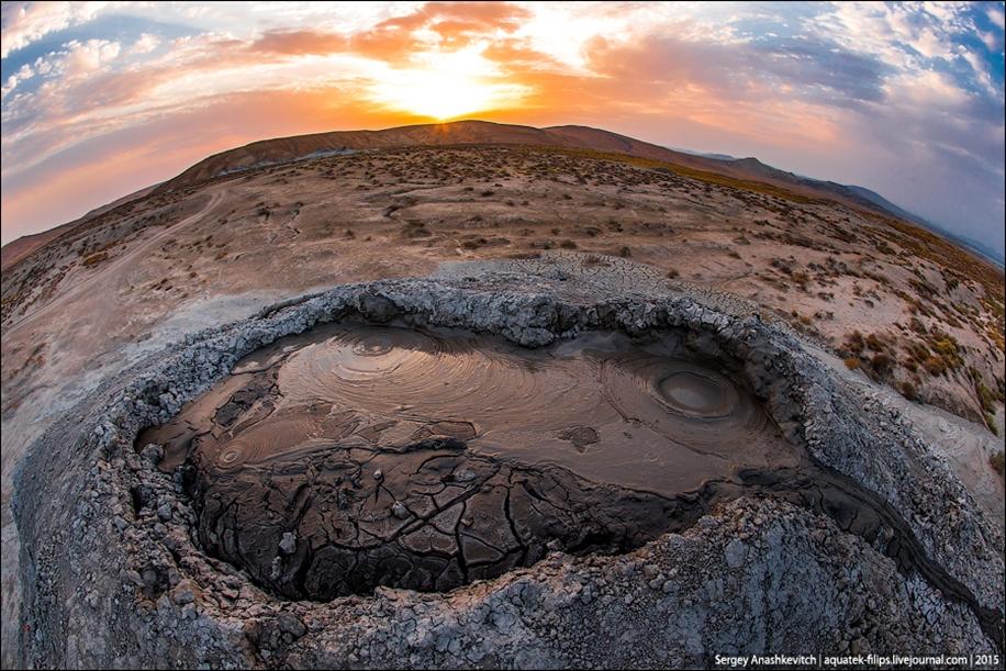 Mud volcanoes of Gobustan 10
